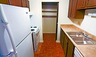 Kitchen, Garden Woods Apartments, 2