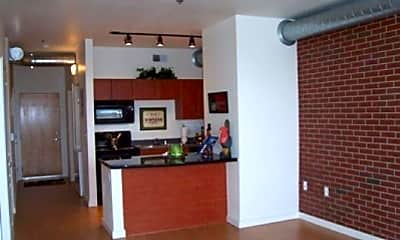 LincolnPointe Lofts, 1