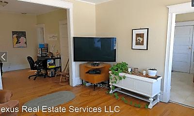 Living Room, 515 Minnehaha Ave E, 2