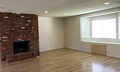 Living Room, 4017 Rosebay Dr, 1