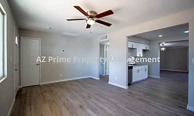 Photo 2, 452 S Mulberry, 1