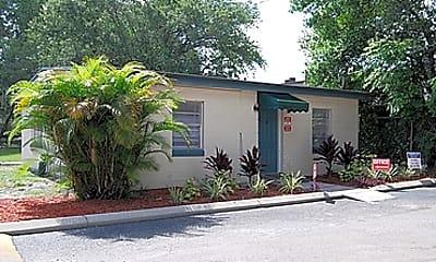 Tampa Pines, 0