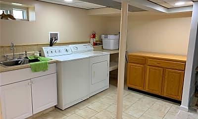 Kitchen, 463 Macatee Pl, 2