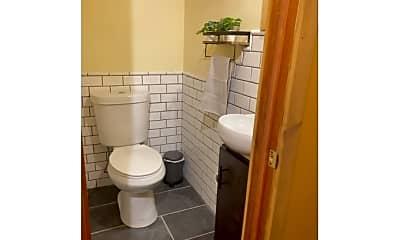 Bathroom, 17 High St, 2