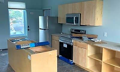 Kitchen, 1301 S Walnut St, 2