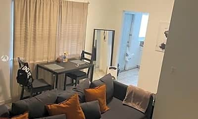 Living Room, 2101 Bay Dr 2, 0