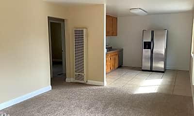 Living Room, 620 S Main St, 2
