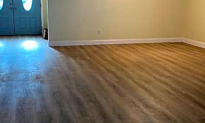 Living Room, 5370 Matthew Ct, 0