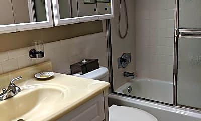Bathroom, 2840 S Ocean Blvd 221, 2