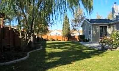 Building, 9044 Granada Hills Dr, 2