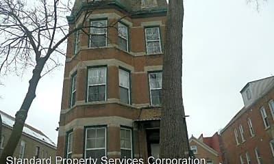 Building, 2252 S Whipple St, 1