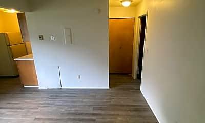 Living Room, 520 Massillon Rd, 1