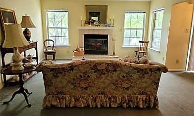 Living Room, 505 Regency Pl, 2