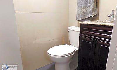 Bathroom, 123 W 81st St, 1
