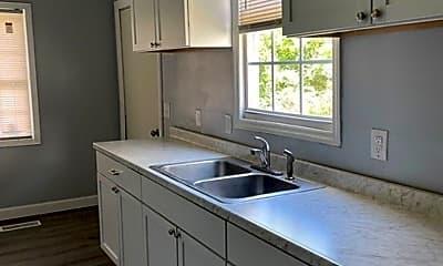 Kitchen, 807 Rankin St, 1