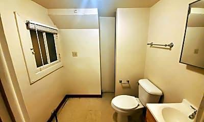 Bathroom, 5018 Indianapolis Blvd, 2