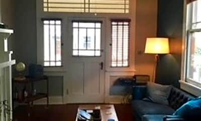 Living Room, 3927 Chestnut St, 1