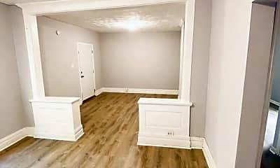 Bedroom, 4604 S Grand Blvd, 2
