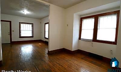 Living Room, 927 N 30th St, 1