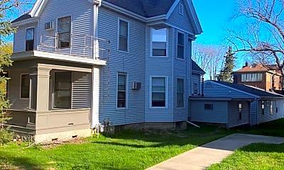 Building, 906 E Burlington St, 0