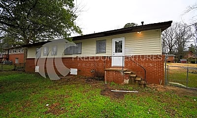 Building, 209 13th Ave NE, 2