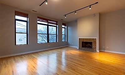 Living Room, 528 N Elizabeth St, 1