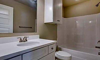 Bathroom, 511 W Center St, 2