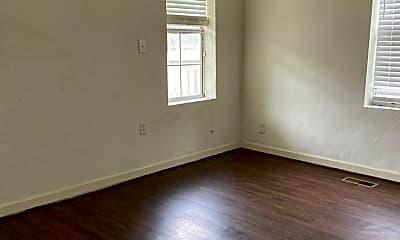 Living Room, 855 Dover St, 2