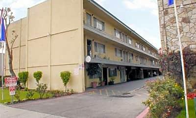 El Adobe Apartments, 1