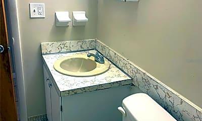 Bathroom, 1850 S Park Ave A28, 2