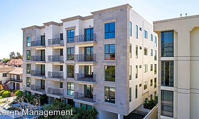 Building, 909 Le Doux Rd, 2