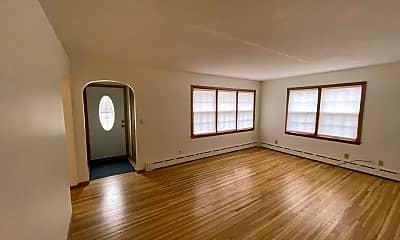 Living Room, 612 Short St, 1