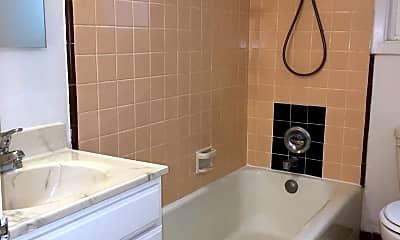 Bathroom, 400 Locust St, 2