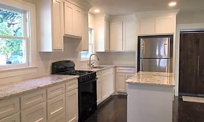 Kitchen, 2914 Edmond Ave, 2