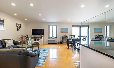 Living Room, 100 W Broadway 4Q, 0