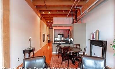 Living Room, 815 Porter St, 2