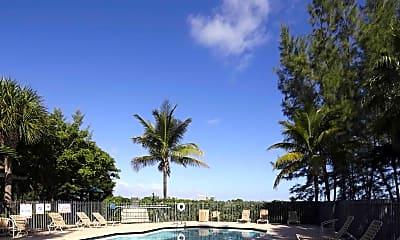 Pool, Lakeside Commons, 0