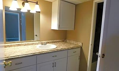 Bathroom, 726 N Sanders St, 0