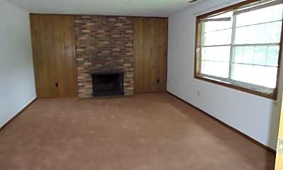 Living Room, 950-960 Northwood Drive, 1