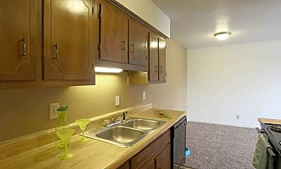 Kitchen, The Oaks at Paddock Place, 1