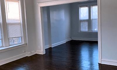 Living Room, 914 W 68th St, 1