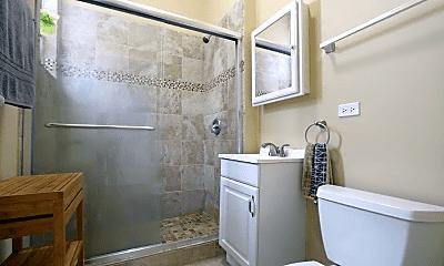 Bathroom, 2234 W Taylor St, 2