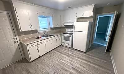 Kitchen, 1314 Maple St, 2