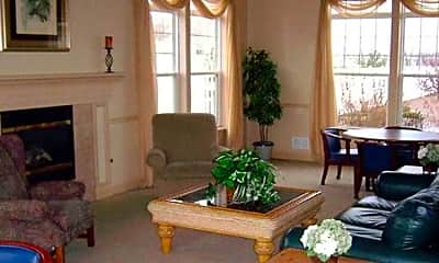 Living Room, Webster Woods Townhomes, 2