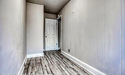 Living Room, 926 N Calvert St, 2