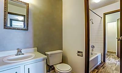 Bathroom, Summit East Plaza Apartments, 2