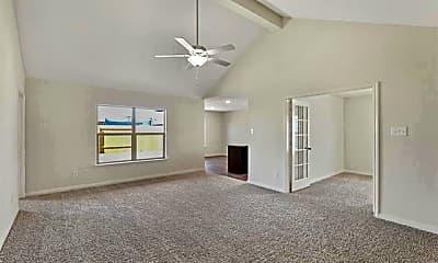 Living Room, 8224 Buck Mountain Pass, 1