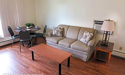 Living Room, 105 E Chalmers St, 1