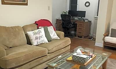 Living Room, 2048 Iuka Ave, 1