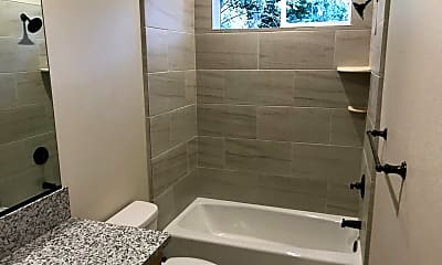 Bathroom, 1436 N Cherry St, 2